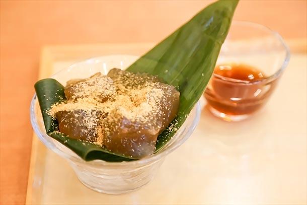 え、洗って食べるの!?名古屋のご当地わらび餅を食べ比べ!