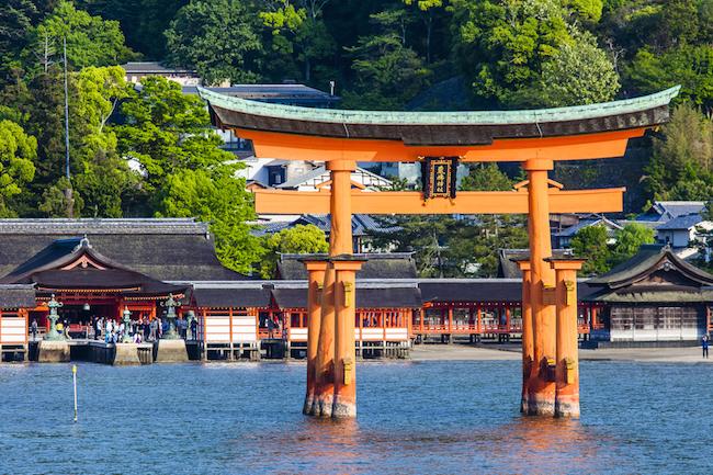 女神の島・ 宮島 に誕生した、女性を夜まで虜にする 広島 の ゲストハウス