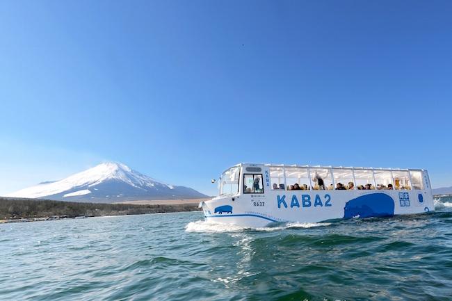 今やるの!?山中湖の伝統、ひと月遅れのひなまつりで春の富士山を体感