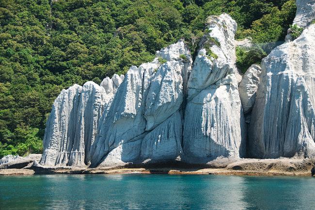 【日本の秘境】海に映える巨岩が美しい、青森の天然記念物「仏ヶ浦」