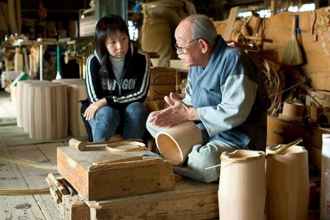 地元の名人が伝統を語り、高校生が書き記す。「聞き書き甲子園」で街おこし