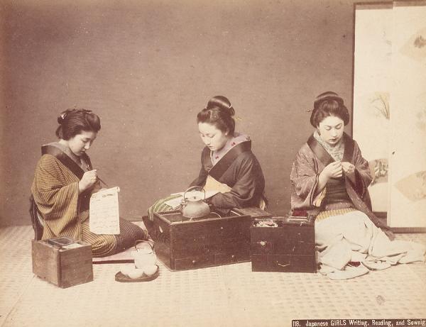 Kusakabe_Kimbei_-_118_Japanese_Girls_Writing,_Reading,_and_Sewnig