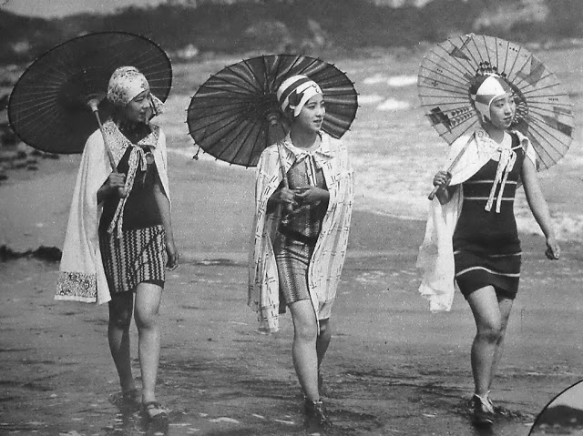 Japanese+moga+girls+in+the+1920s+%282%29