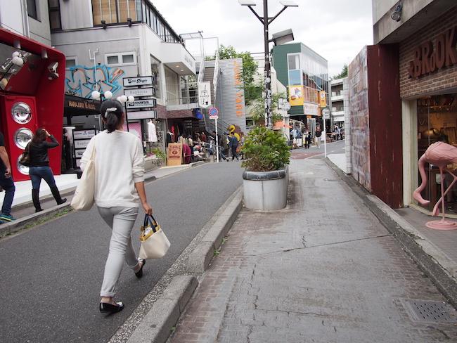 キャットストリート(北側)の道筋は渋谷川の流路をトレースしている