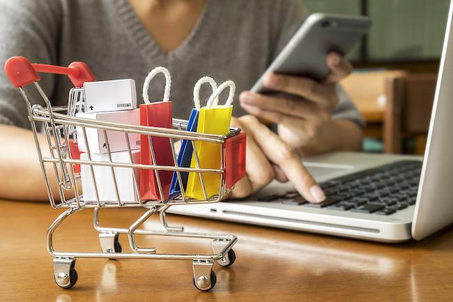 「ネットショッピング」といえば、若者世代の利用客が多いイメージがありますよね。しかし、実は50代、60代の利用客率が、20、30代を上回っています。大人世代のネットショッピングの傾向とおすすめのお取り寄せについて詳しく紹介します。