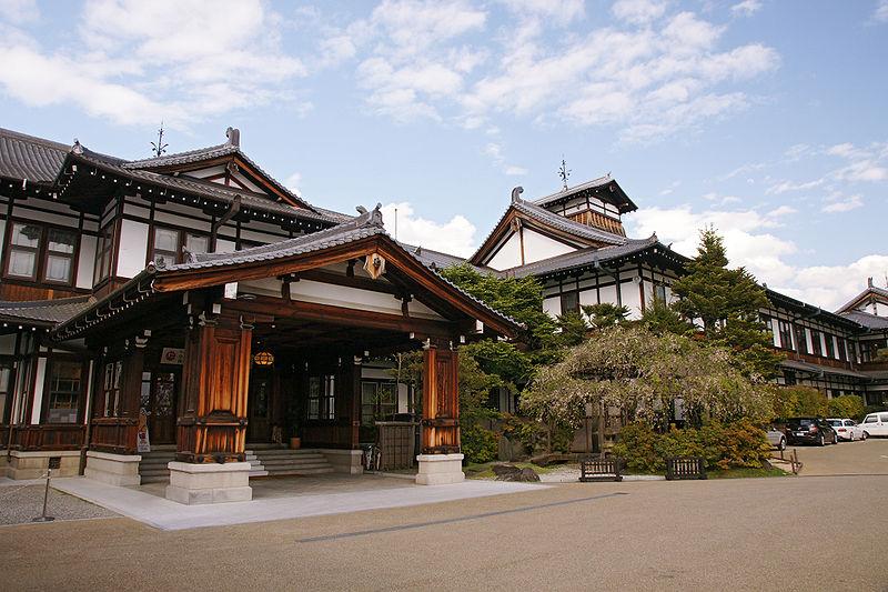 800px-Nara_Hotel05s4s4272
