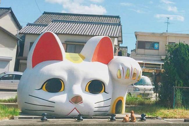愛知県といえば、名古屋城をはじめとする観光地が有名。しかし!実は招き猫も有名なんです!大人も子供も楽しめる、とこなめ招き猫通り&招き猫ミュージアムをご紹介します♪