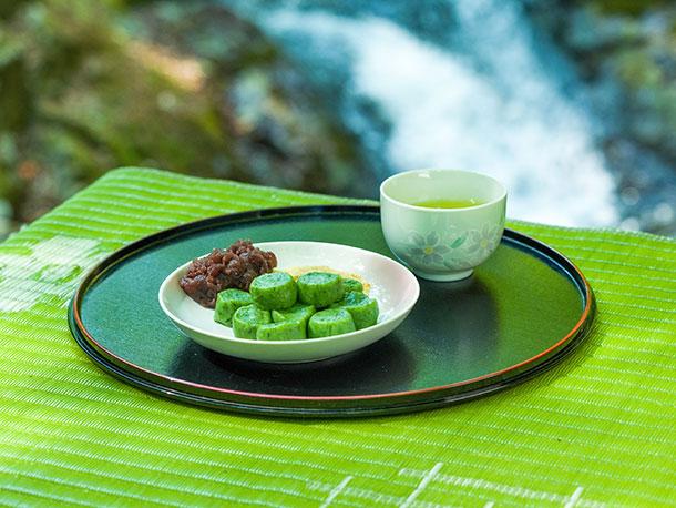 リピートの理由はその道のりにあり!?秘境で味わう小太郎茶屋の草だんご