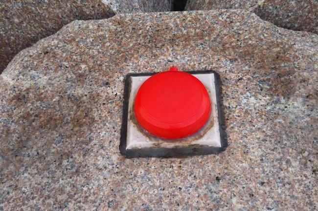 青森県・津軽半島の最北端にある竜飛岬(たっぴざき)。この岬をモチーフにした歌と言えば、石川さゆりさん(59)の『津軽海峡・冬景色』が有名だ。竜飛岬には、なんと石川さゆりの「津軽海峡冬景色」の歌碑まであるのである!