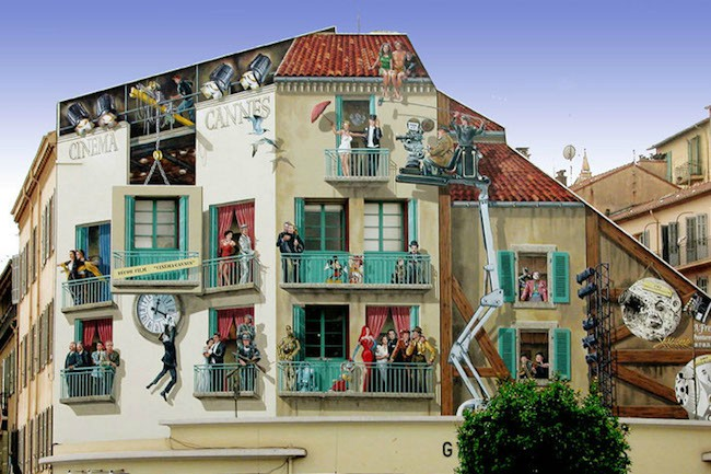「眼を騙す」を意味するフランス語が語源の「トロンプ・ルイユ(Trompe-l'œil)」とは、騙し絵のことで、昔から芸術分野で用いられてきた手法と技法のことです。現在ではトリックアートとも呼ばれています。