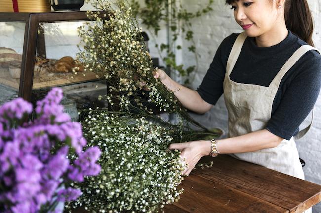 廃れゆく商店街でもなかなか潰れない「花屋」に学ぶ生き残り戦略