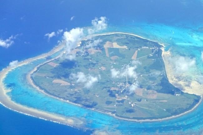 今、先日、楽天トラベルが発表した「2017年夏 人気急上昇の離島ランキング」によると、1位に輝いたのは、沖縄県の黒島でした。宮古島、西表島ではなく、黒島、与論島、渡嘉敷島といった島々が並びます。一体、どんな魅力がつまっているのでしょうか。