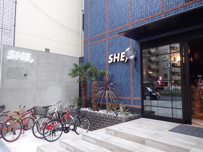 HOTEL SHE,OSAKA外観